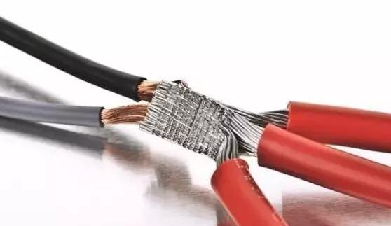 为什么铜线与铝线不能连接在一起?